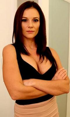 Mandy Flores - Model page