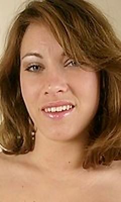 Olivia Alize