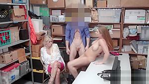 スパッツを穿いたJC?JKがパンティを履いたまま生チンポ挿入に喘ぐハメ撮のロリ系動画
