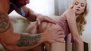 思春期真っ只中の女子が愛液まみれの膣を犯されて連続でいっちゃうのロリ系動画