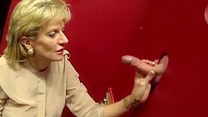 Unfaithful uk mature lady sonia flaunts her giant tits