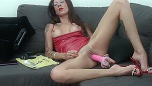 VALERIA CURTIS - Latina plays with her dildo