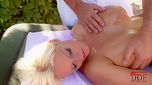 Blonde bombshell with perfect big boobs Jordan Pryce gets it oiled and massaged