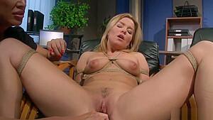 Femdom Lesbians Bondage Hot Babes-