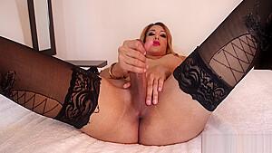 Fresh valentina vasquez adores taste of cum