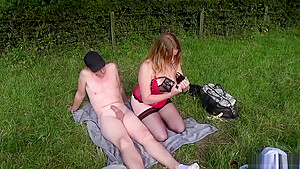 Curvy Chick And Her Bf Have Outdoor Anal Sex On Picnic
