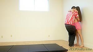 体操部の女子小学生がホテルでクラスメイトのバック挿入に喘ぎ悶えるの美少女動画