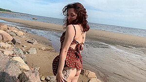 SPY WHEN I NAKED AND HORNY ON THE BEACH-