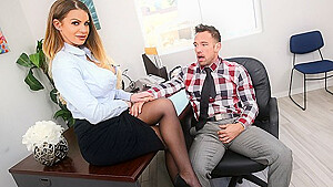 Secretary in stockings satisfies her boss in the office...