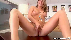 Bella Rose wants to show her boobs and masturbate on the table