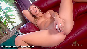 Incredible pornstar Courtney Dillon in Hottest Solo Girl, Masturbation adult movie