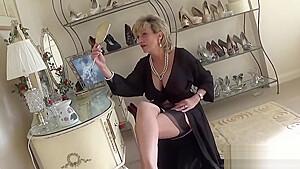 Adulterous British Mature Lady Sonia Reveals Her Massive Boobies
