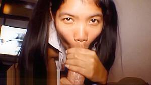 HD Thai Teen Heather Deep gives deepthroat throatpie for new laptop tablet new