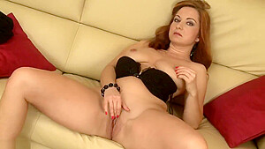 Jessica Red And Her Amazing Pussy