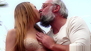 Classy teen pleasing her old lovers hard cock outdoor