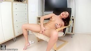 Pretty brunette babe Seren fingers hard her gentle, accurate vagina