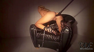 Kinky girl Ivana Sugar enjoys in a bdsm solo