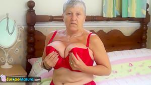 EUROPEMATURE - Savana gets playful in red underwear