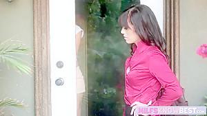 合法ロリがお風呂でヤリチン男にハメ倒されるの美少女動画
