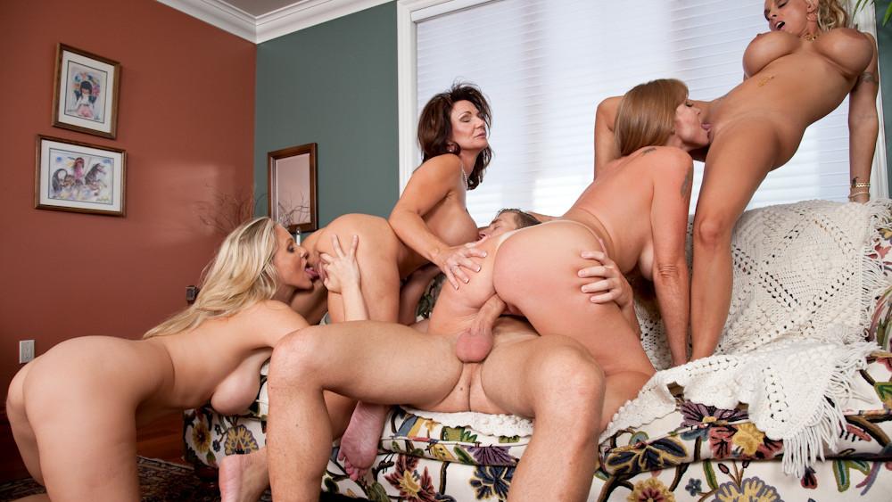 Darla Crane & Deauxma & Holly Halston & Julia Ann & Michael ...