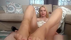 Sarah Vandella Pantyhose Footjob