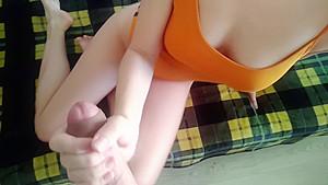 銭湯に連れてこられた小学生がキモ男の極太チンポで調教されるの美少女動画