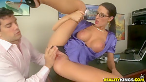 Sexual milf Kortney Kane licked by Ramon