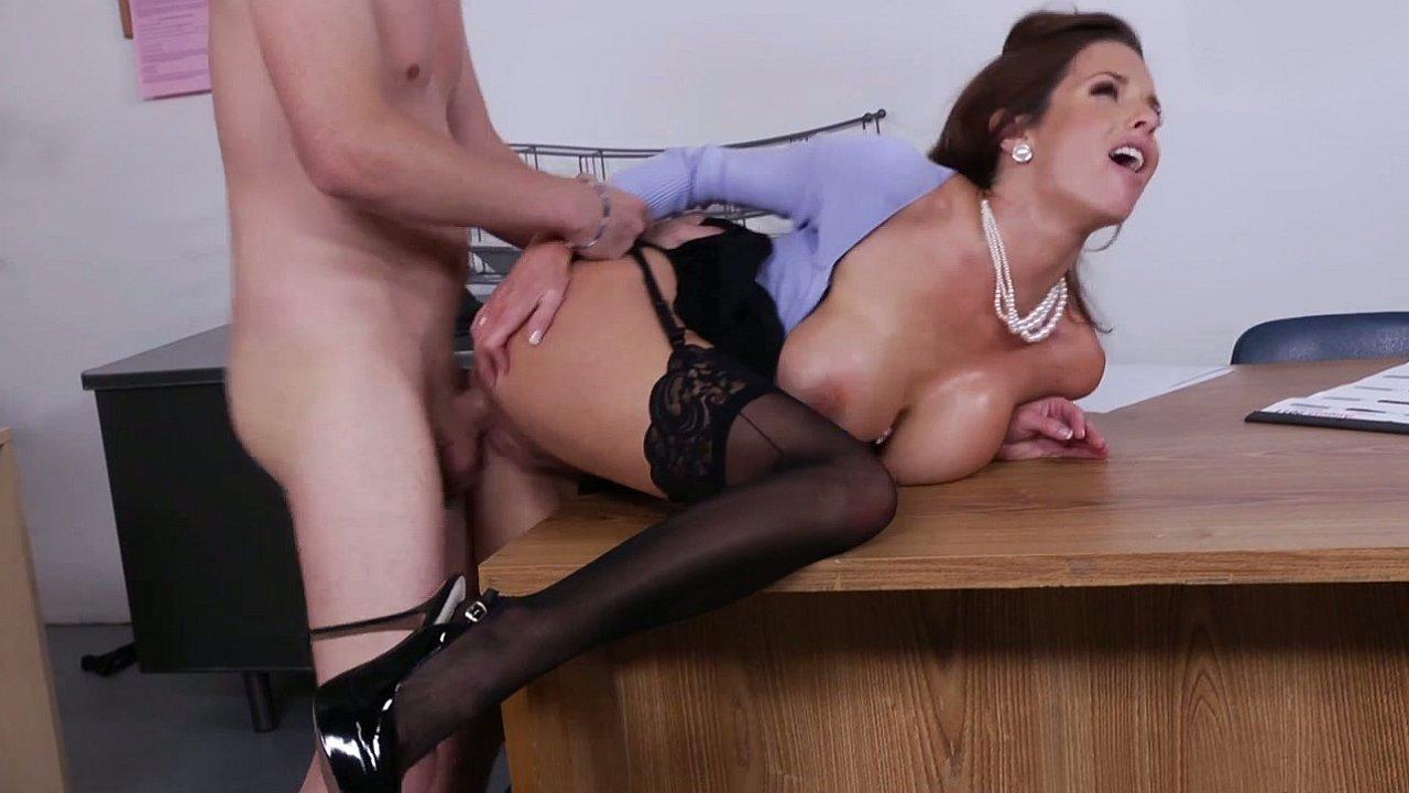 Porn pictures Ebony lez babes devouring juicy snatch