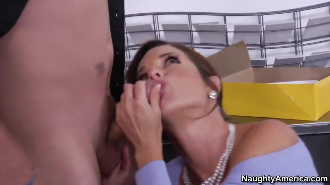 Cutie hot babe London Keyes getting banged Porn tube