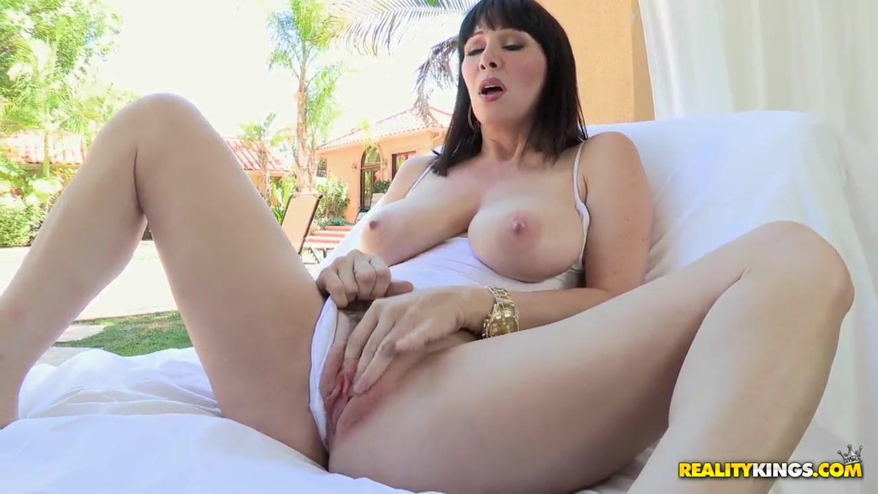 Porn pictures Good whipping for a skinny hot mature