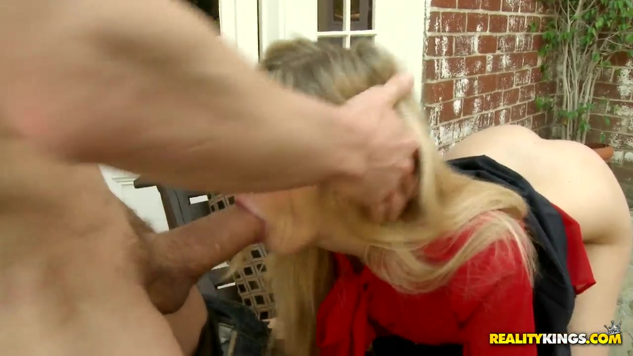 Porn archive Teen babe screwed while licking milfs cunt