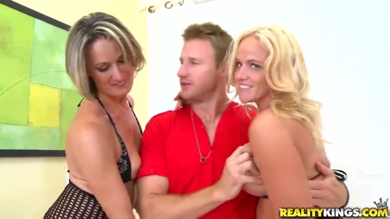 Sexc Redhead fuckd lesbien