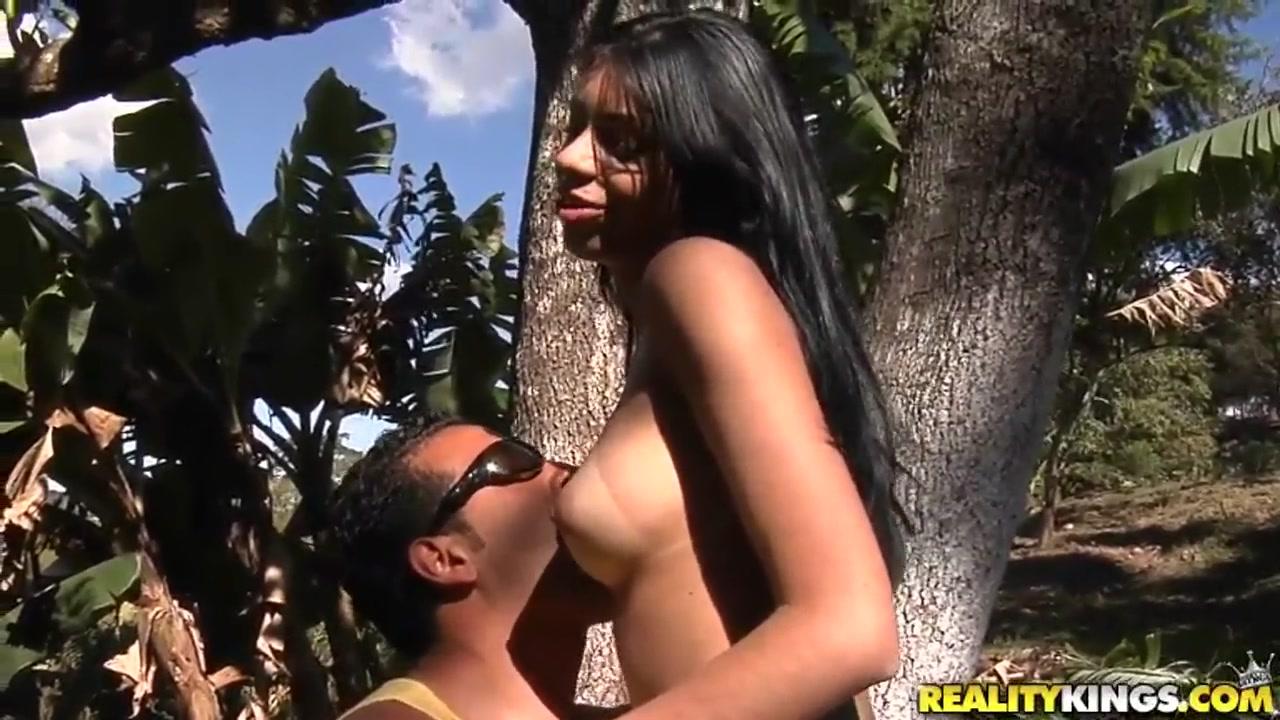 XXX Porn tube Teacher trains his pupils ass instead