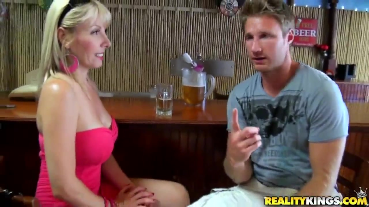 xXx Videos Hot milf cheats on her husband