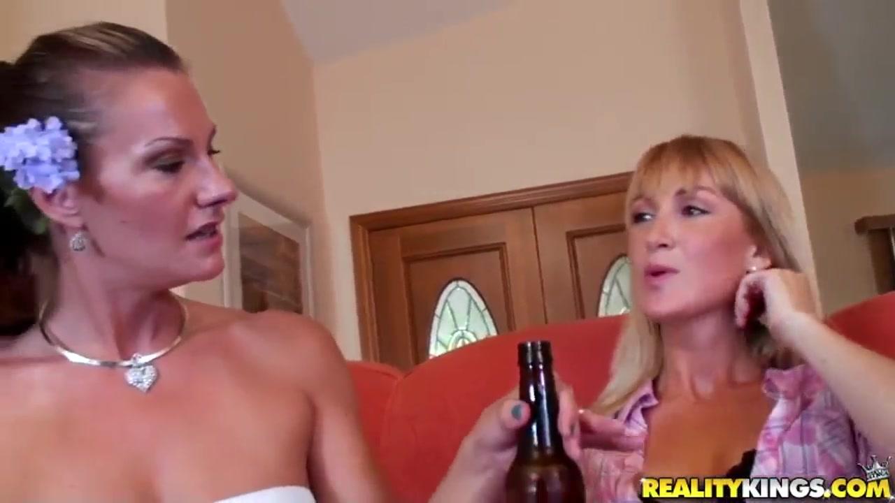 Videos free sexy emo