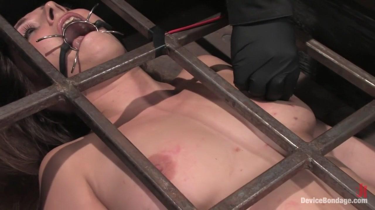 Porn archive Mature women in sauna