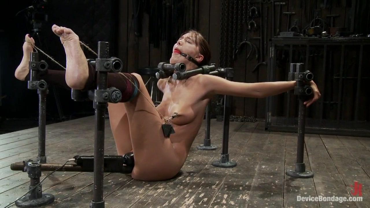 Naked FuckBook Bridgett busty milf