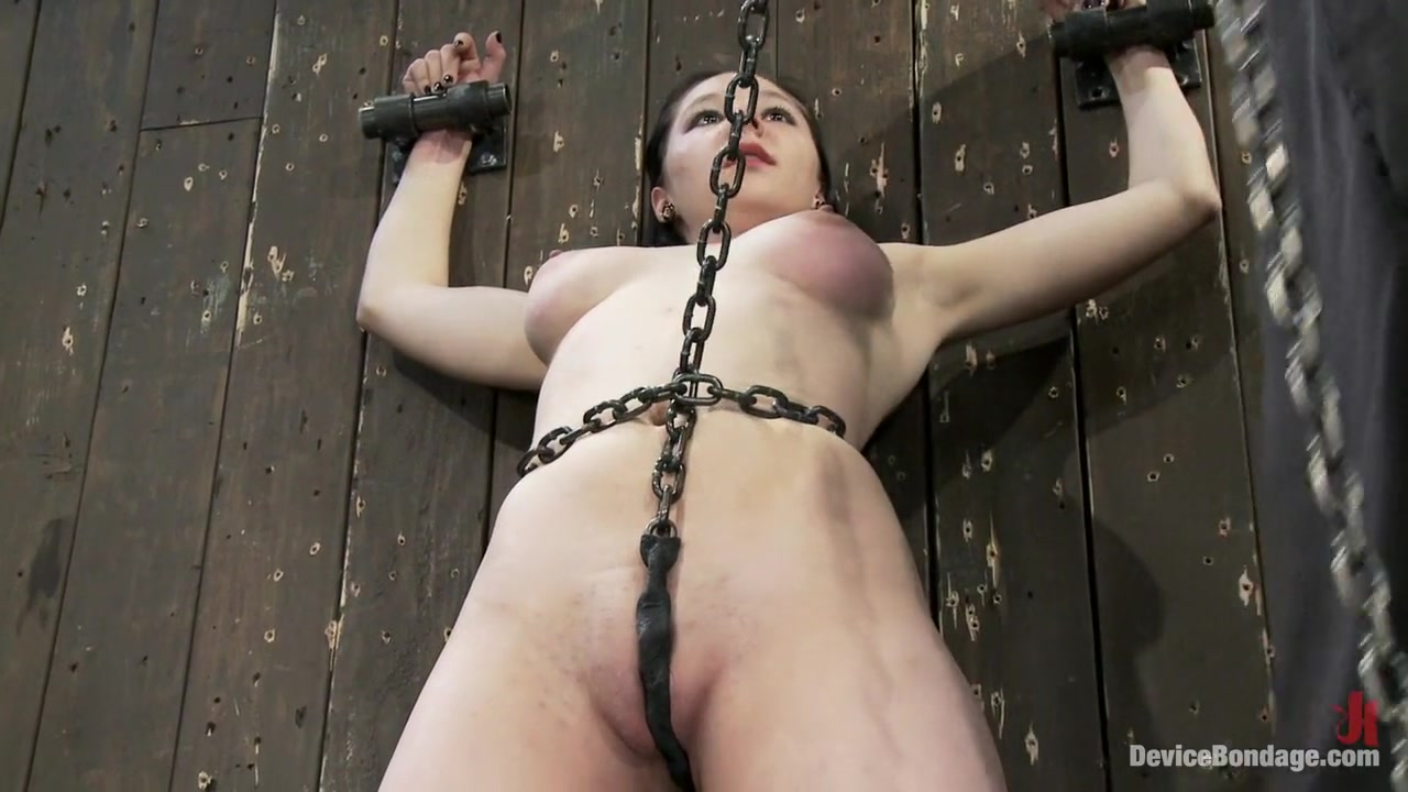 Maggie MayhemThe Old Ball and Chain ba chi sex nude