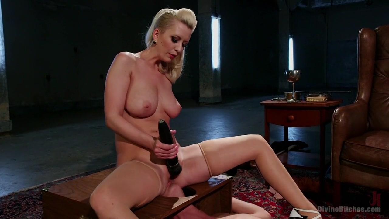 Best porno Bbw rides toy again!