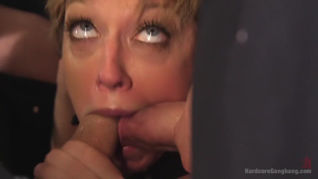 Naked xXx Big Tity Porn