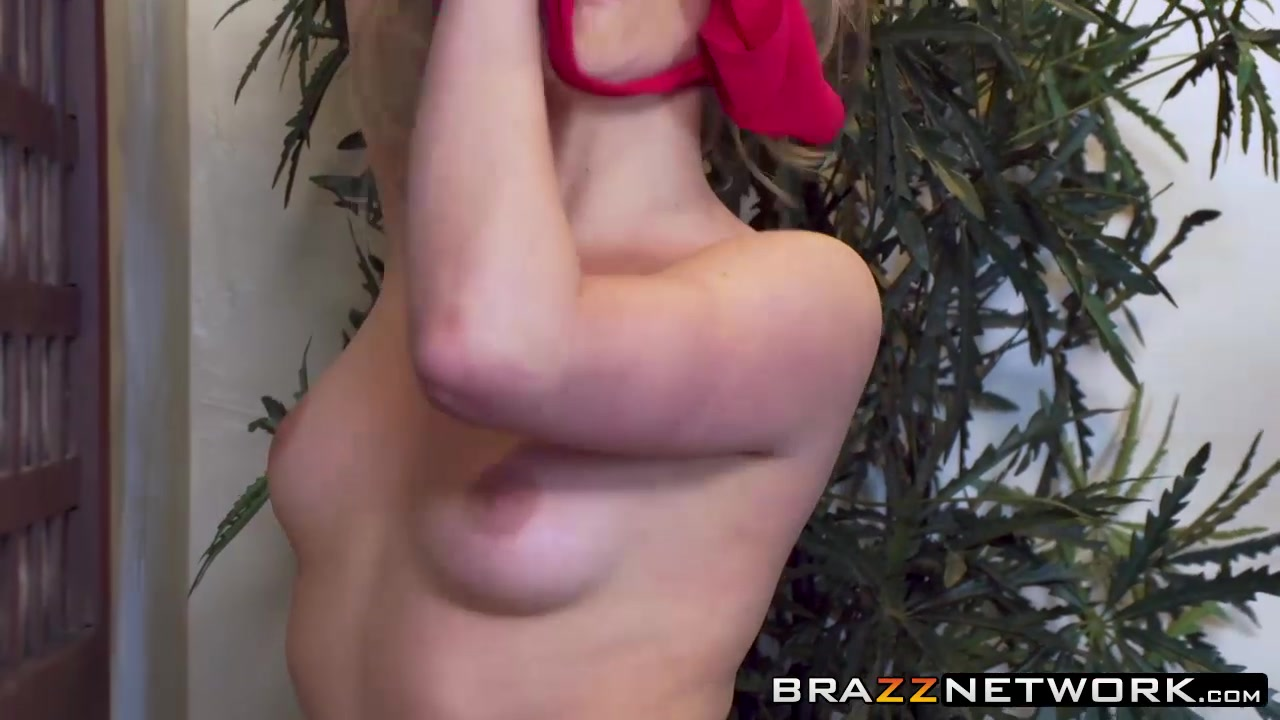 pinky squirts hard Naked xXx