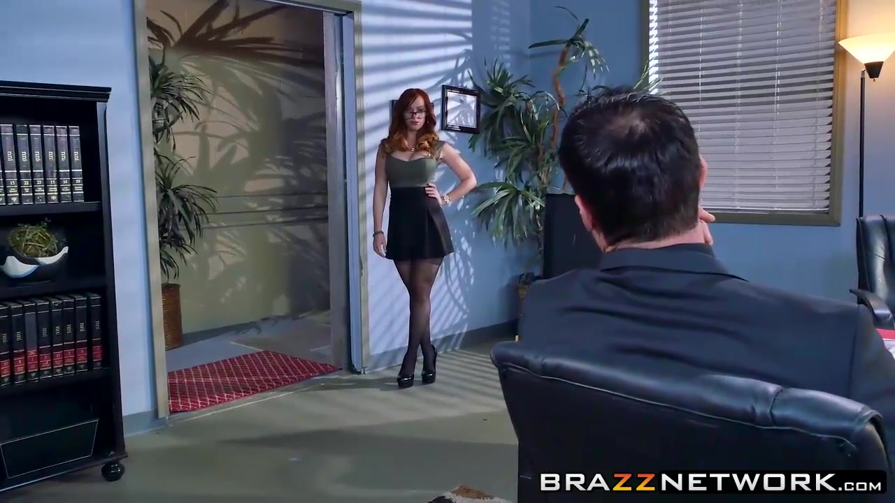 Kinky redhead Dani Jensen pounded hard at her office desk Mature Women Big Dildo Masturbation