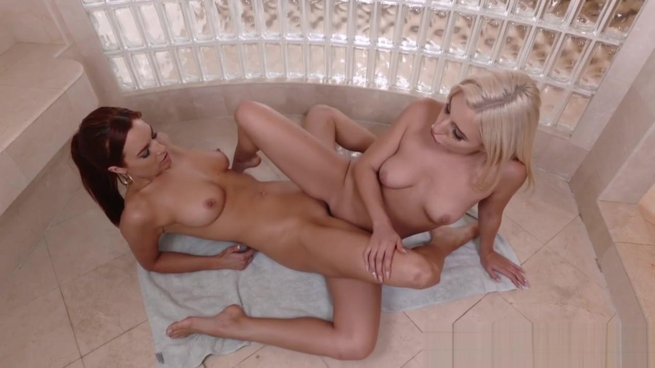 Dildo riding teen lesbian Mistress use three lesbian slave