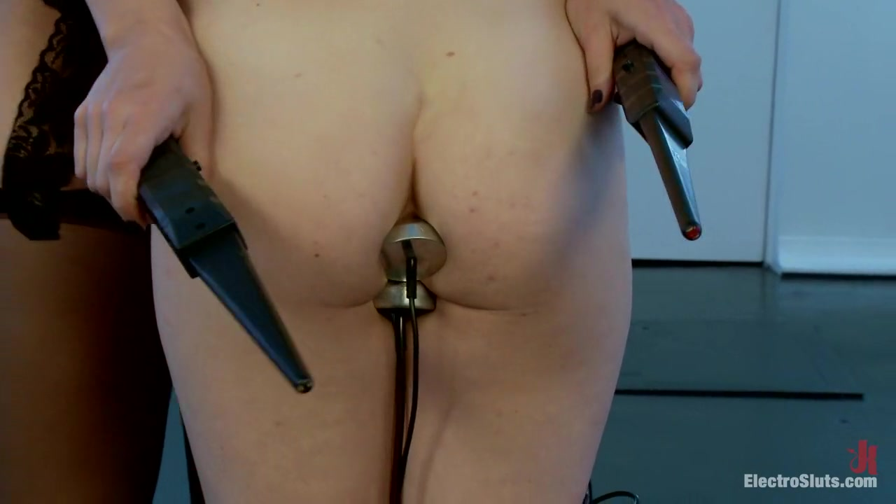 Penny Pax returns for more Electro pain and pleasure Tiff real boobs