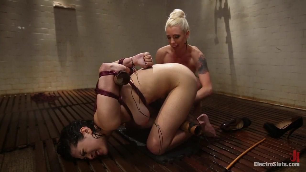 All porn pics Moms performing at the sex club