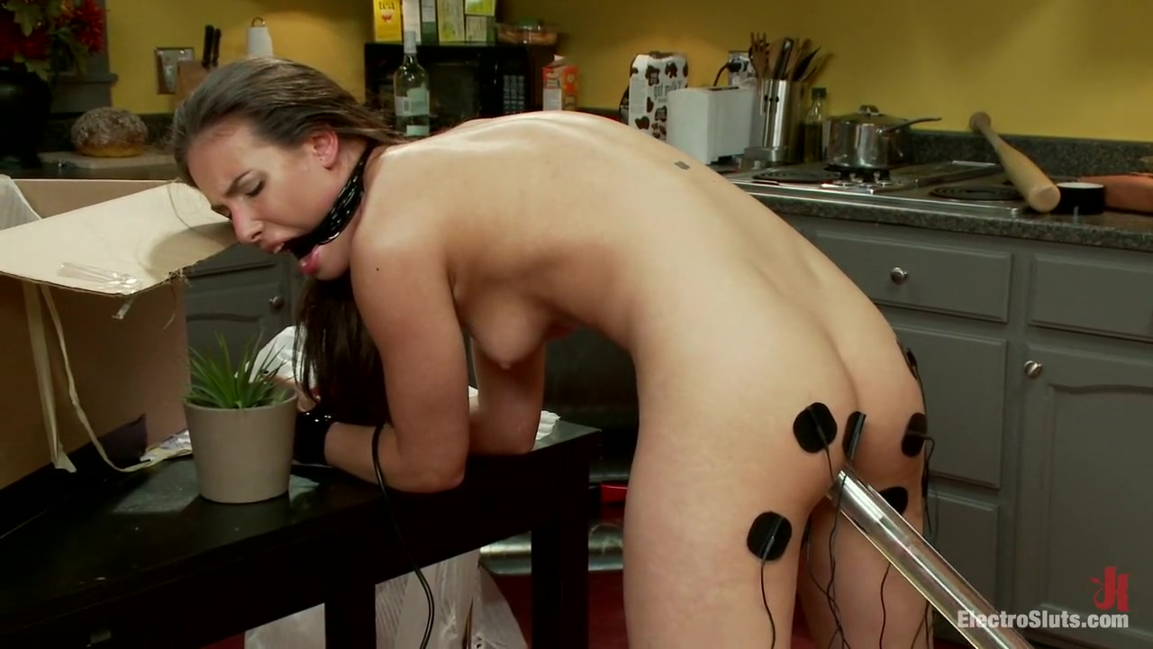 Excellent porn Hot lesbians sucks pussy on the table