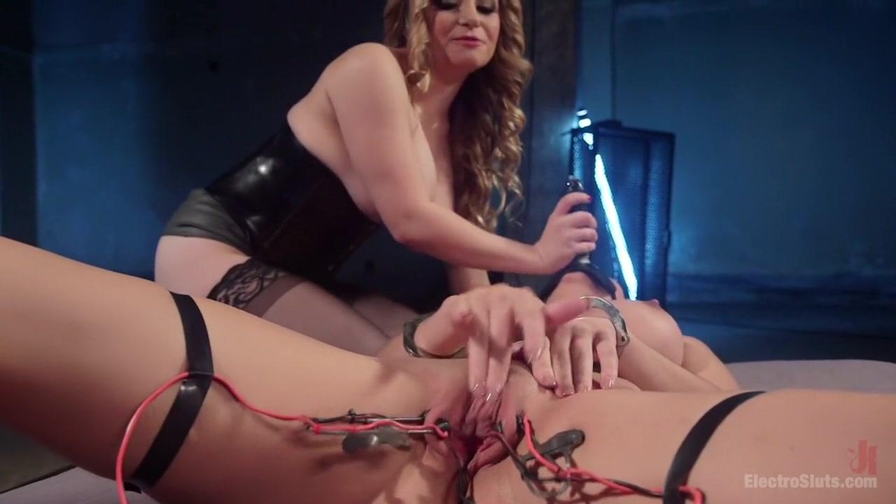 Lesbos pornex orgasam Petite