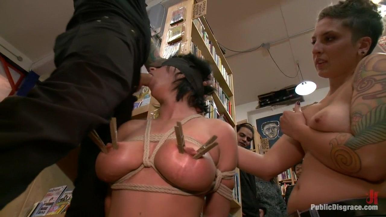 Pics of womens buttholes xXx Images