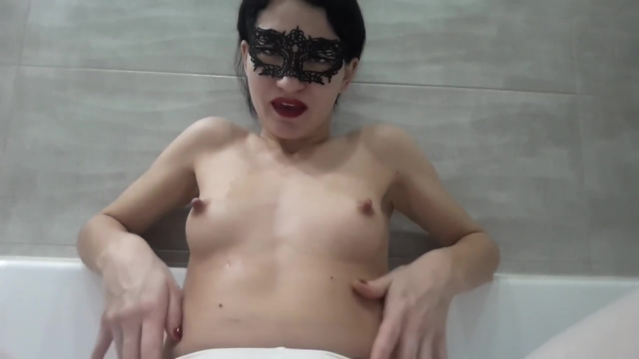 golden surprise in white leggings and 3 finger tight pussy Naked Squirting Pussy