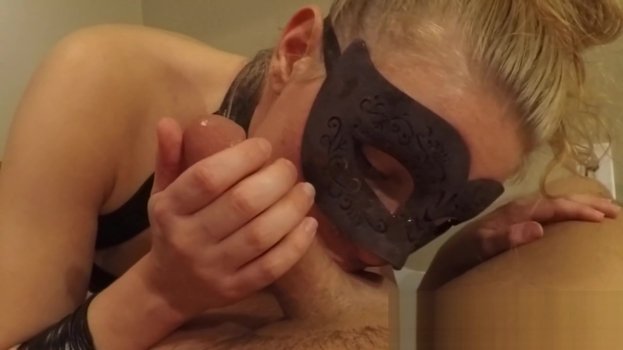 Slut Training Blowjob and Reverse Cowgirl On The Phon Girl Sex
